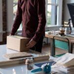 Waarom zou je een pakket versturen in plaats van zelf meenemen?
